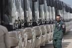 中国援赠柬埔寨100辆公交车交接仪式举行