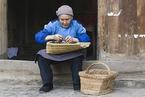 扶贫蓝皮书:低收入农户收入增长乏力 返贫压力上升