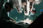 """机器人做主刀医生 高""""身价""""让患者敬而远之"""