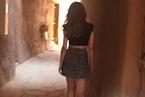 沙特女子穿短裙引起当局追查