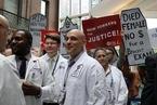 美国会预算局:若废奥巴马医保 2026年无医保人数将达3200万