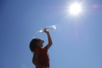上海连续11天酷暑 打破145年记录