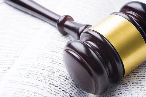 河北一律师被法警殴打并戴手铐 涉事法院三周后公开道歉