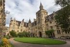 专访牛津副校长沃尔斯利:英国正举全国之力开发量子计算机