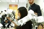 这款机器人可辅助患者进行创伤性恢复