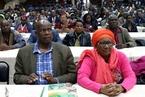 津巴布韦执政党内串联要求穆加贝夫妇辞职 支持军方接管行动