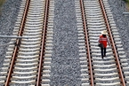 中铁总要求民资控股铁路要委托其建设