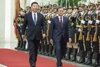 习近平与文在寅会谈 愿就半岛维稳防战劝和促谈与韩加强协调
