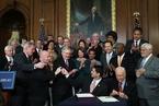 庆祝税改法案通过 多家美企为员工加薪并增加在美投资