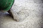 2017年前11个月中国水泥熟料进口数量同比涨三倍