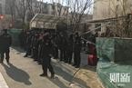 业主迅速恢复围墙 北京龙湖小区拆墙成拉锯战