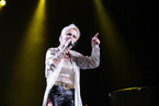 小红莓乐队主唱在伦敦去世 年仅46岁
