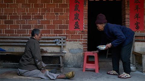 """【微纪录】余生何寄——残障家庭""""双老""""困境"""