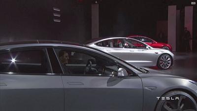 特斯拉 Model 3初评出炉 极简设计反响不错