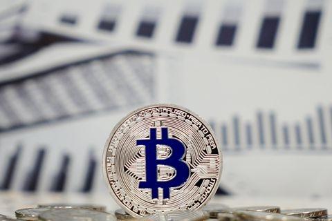 美监管控告虚拟货币交易平台 SEC质疑比特币ETF
