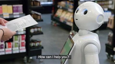 """英国首名购物机器人工作一周后遭""""解雇"""""""