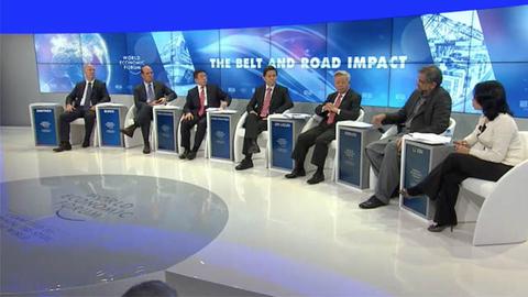 """达沃斯财新辩论共议""""一带一路""""及其影响"""