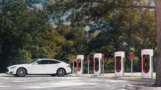 让电动汽车能发电 英国想了这个招增加电网弹性