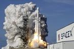 猎鹰重型火箭升空 马斯克甩开竞争对手