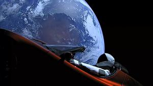 SpaceX猎鹰重型火箭首飞 搭载特斯拉跑车上天