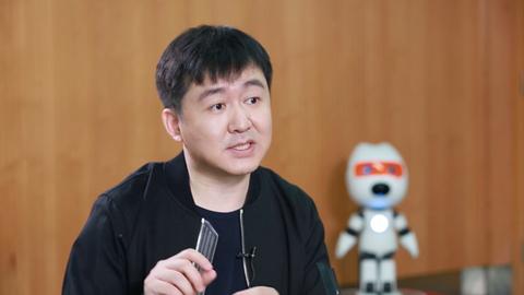 王小川:致力于以语言为核心的人工智能