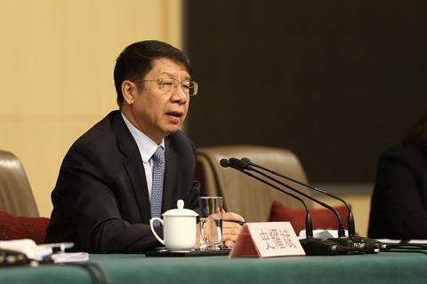 史耀斌:根据居民基本生活消费水平提高个税起征点