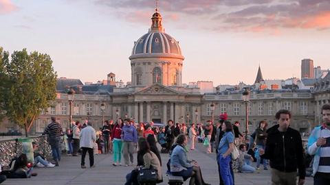 法国拟出新规 薪酬出现性别差距公司将面临罚款