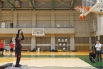 日本丰田工程师研发投篮机器人 命中率近乎100%