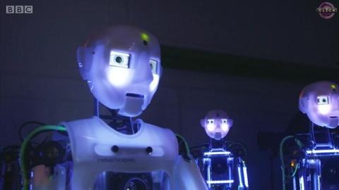 """机器人""""入侵""""人类生活"""