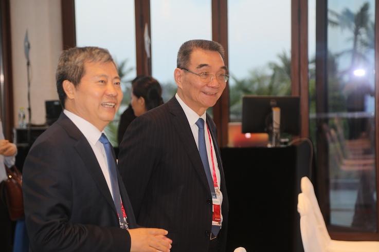 CMIG president Huaizhen Li and Justin Yifu Lin from Peking University