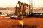 EIA周报:美原油库存降220万桶 WTI油价三年来最高