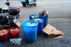 特写|上海垃圾精细化分类试点的街头即景