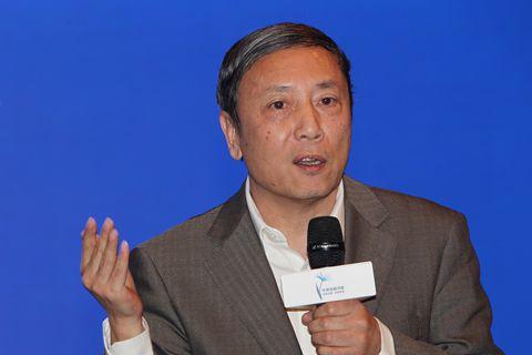 蔡昉:提高全要素生产率政府应营造创造性破坏的环境