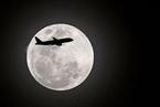 研究:月球正远离地球 每一天将变得更长