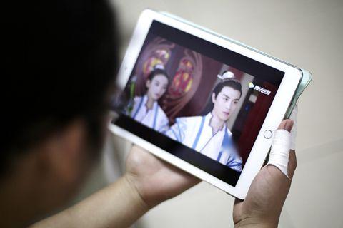 网剧市场供大于求  视频平台如何看待艺人价值?