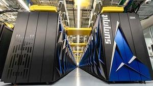 美国推出全球最快超级计算机 超越中囯