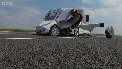 """""""自动驾驶""""的特斯拉 却应付不了突然变道"""