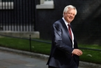 英国脱欧大臣突辞职 调转枪口批首相政策窒碍难行