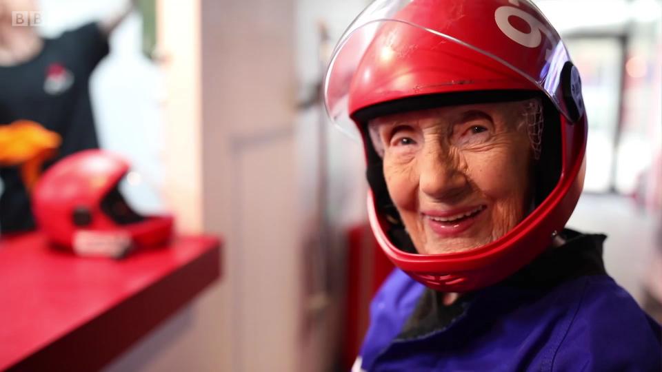 一位百岁老人最想要什么样的生日礼物?
