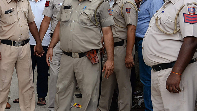 印度胖警察被强制减肥 瘦不下来或将失业