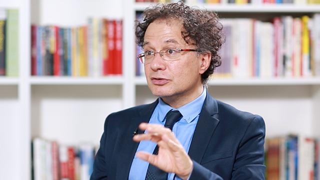 意经济学家杰拉奇:过早建立欧元区是个错误