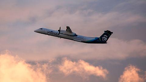 美航空公司地勤偷走客机 空中杂耍后坠毁