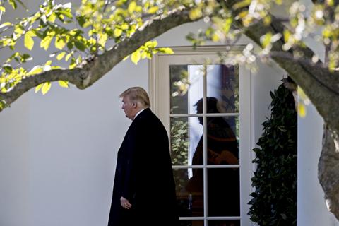 """特朗普称指控谁杀了记者为时尚早 美财长不去""""沙漠达沃斯"""""""