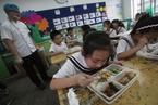 校园食品安全问题频发 如何医治家长的恐惧?