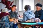 韩启德:家庭养老难以为继 社会化养老面临困难局面