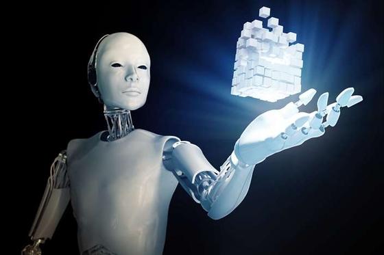 Xu Chenggang: China Should Learn From History Before Embracing AI