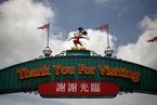香港迪士尼三年内两度更换行政总裁