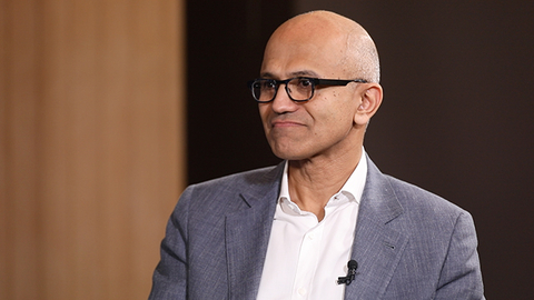 微软CEO萨提亚:把过去的成就放在一边