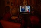 """马克龙新年致辞安抚""""黄背心"""" 梅借机施压议会推销脱欧方案"""