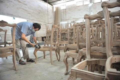 家具企业工伤风险高 农民工维权难